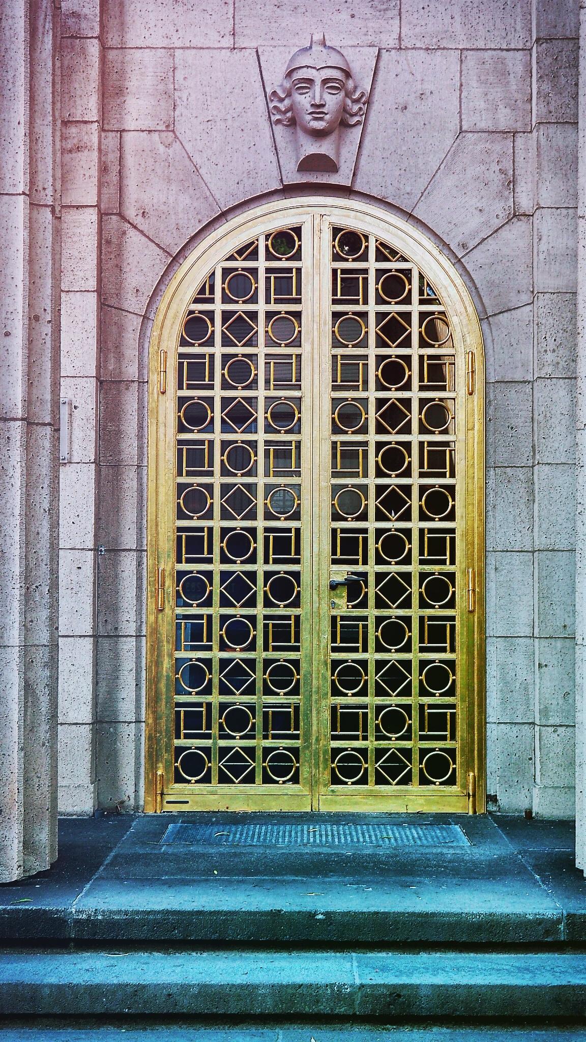 Die güldene Tür (Kerkhoff Institut)